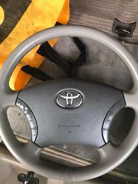 Steering wheel fortuner type 1 for sale just like new condition.