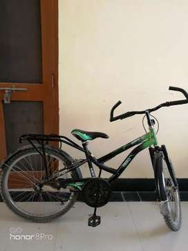 Hero gunner 2 Yr old no problem .. Kid wants new bicycle