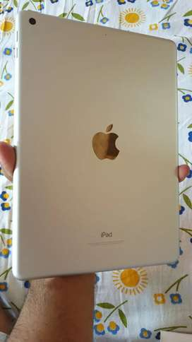 I pad 6th gen, just a week old.