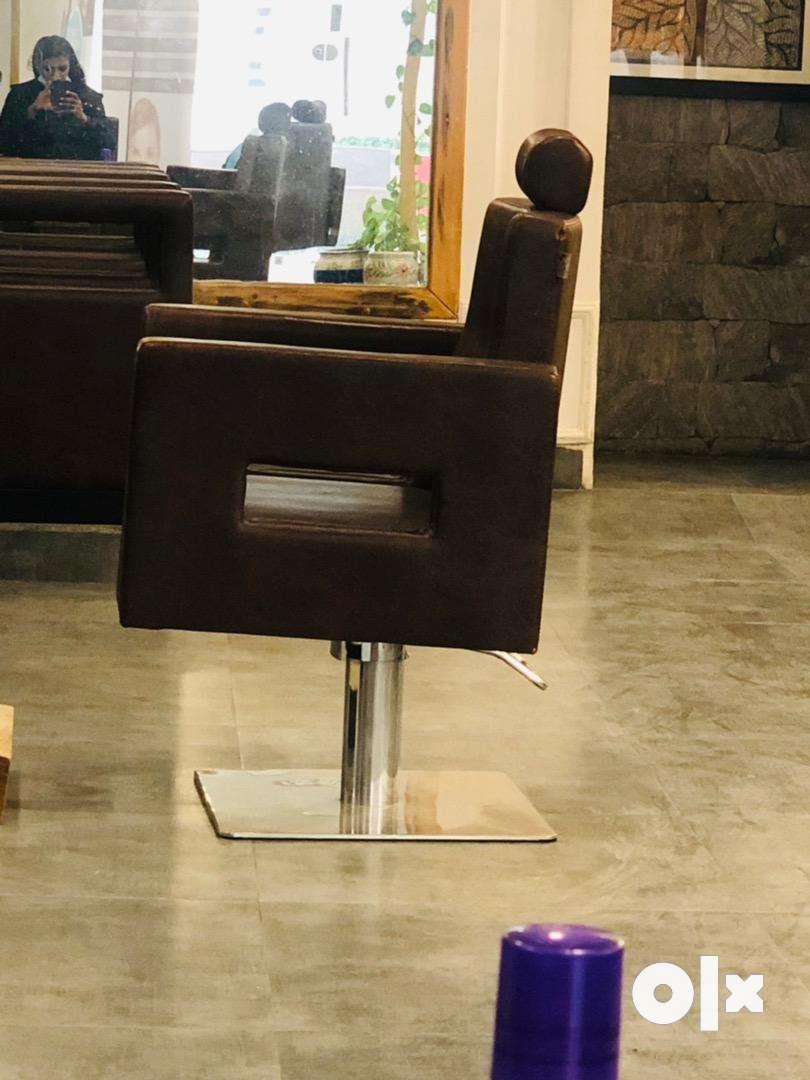 Sohna rd salon 0