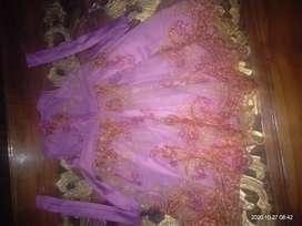 Baju gaun pesta anak