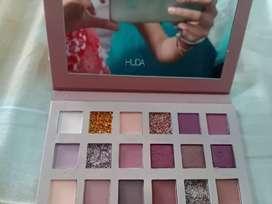 Huda beauty eyeshadow brand new kit