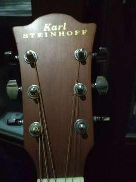 Gitar Karl Steinhof mulus seperti baru, kuat dan tahan lama