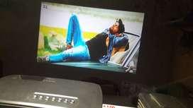 RE intrex 3d 4k wifi projector smart youtube live tv usb hdmi 155ghg