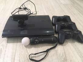 Ps3 with playstation move and three dualshock controllersand 16 games