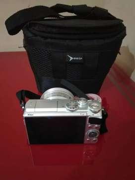 Kamera mirrorless Nikon 1J5 VR siap pakai