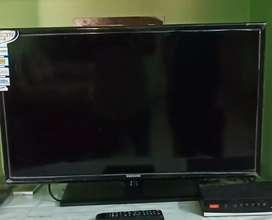 32 inches Samsung TV  good condition money urgent