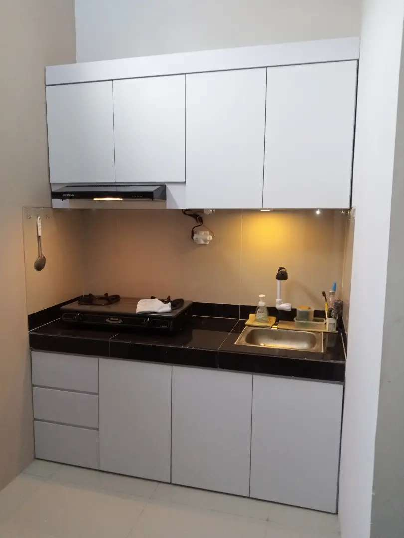Kitchen Set Minimalis Finish HPL Putih 0
