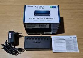 D-Link DES-1008A Desktop Switch