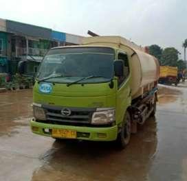 Hino Dutro 130 HD Watertank kap. 9000L