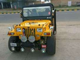 Yellow simple jeep