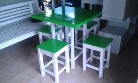 Meja kursi makan murmer