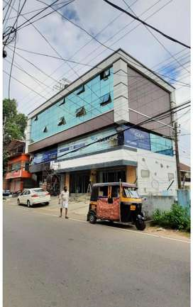 Ernakulam thevara 2.35lakh monthly income 7cent 6350sqt commercial