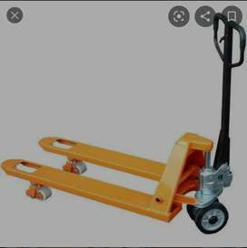 Pallet truck and forklift