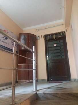 This is 700 sqft fully furnishd office avilable for rent in rajpur roa