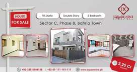 A beautiful 10 Marla House available in phase 8