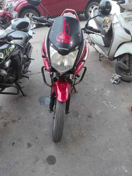 Selling  honda stunner  on  urgent basis  first buyer more negotiable