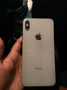 Iphone XS MAX 64Gb . Silver . 6 months used