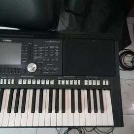 Yamaha psr s 950