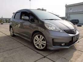 Honda Jazz RS 1.5 At 2012 Low km Servic Record Terawat Siap Pakai