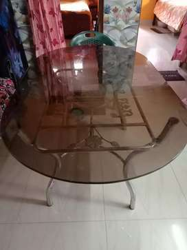 Daining table