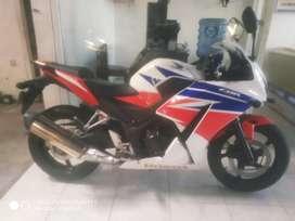 Bali dharma motor//jual Honda CBR 250R thn pmk 2017