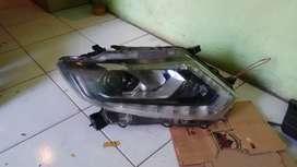 Headlamp lampu depan nissan xtrail 2016
