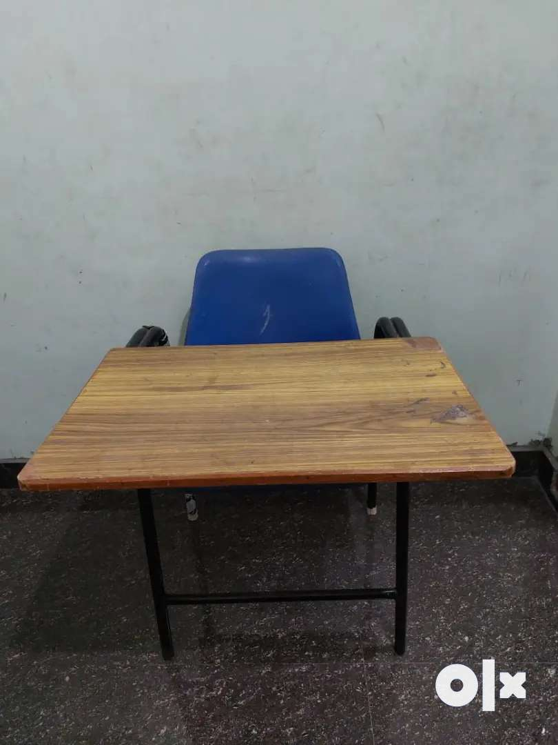 Writing table with seater