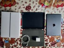 i pad 8th generation only in 24999 3|32 only wifi  with back cover599