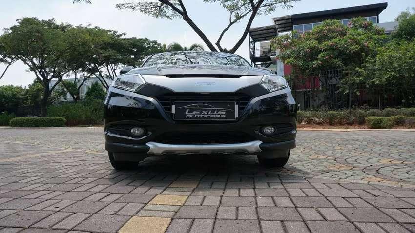Honda HRV E CVT 2016, Hitam, Service Record. TDP HR-V 25juta. TERMURAH 0
