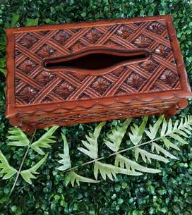 Kotak tisu batik