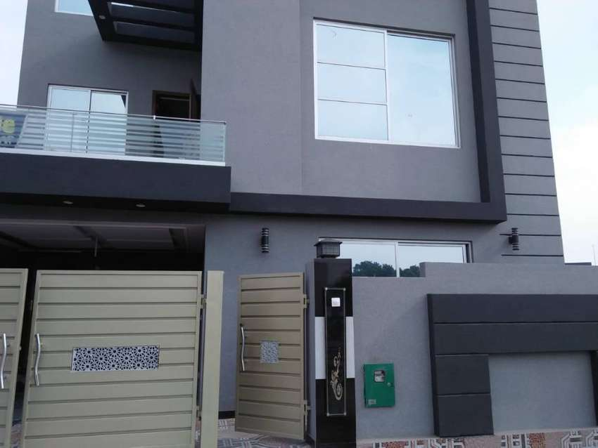 5 Marla Brand New House For Rent in BB Block Sector D Bahria Town 0