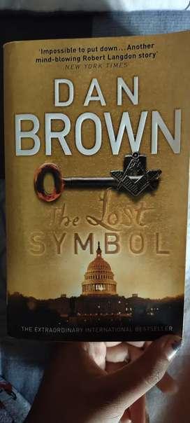The lost symbol : Dan Brown