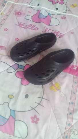 Sandal model sepatu karet ukuran 40