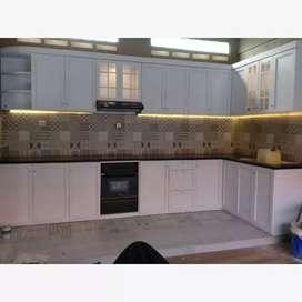 Kitchen set custem , wallpaper dinding, lantai vinyl
