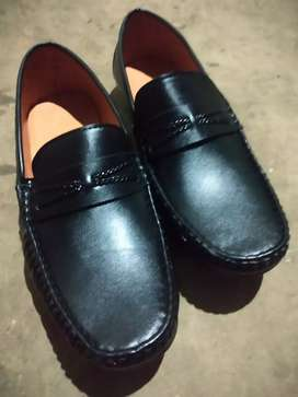 Black leather Loofer shoes