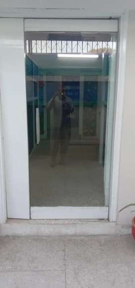 2 Glass Doors with complete kit