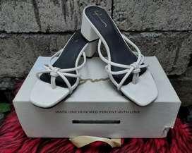 Jual sandal amora heels jarang dipakai