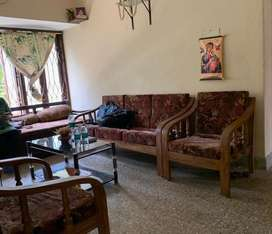 2BHK well maintained flat located in the heart of the city