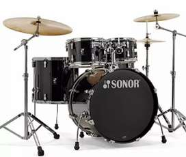 Kredit Drum Sonor AQ1 Stage Series Drumset In Piano Black Finish