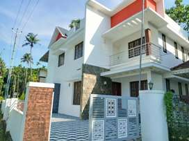 4 bhk 1900 sqft 5.5 cent new build at kalamassery near medical collae