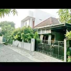 Rumah Hook 2 Muka LT 144 m2 Maguwoharjo Tepi Aspal Lebar