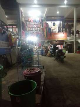 Shop 4 rent in GOOD location main road near yatayat park krishna nagar