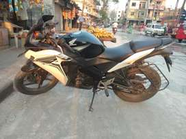 CBR 150 cool b/w colour with good condition