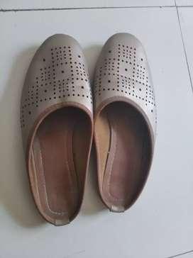 Golden footwear