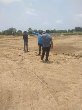 Sidhivinayak colony ke pass plot hi plot gwalior