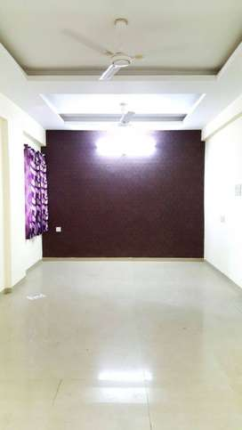 At Bengali Kanadia Road 3 bhk flat available on resale 45 L Negotiate