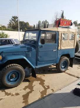 Toyota land cruiser FJ40 Soft Top