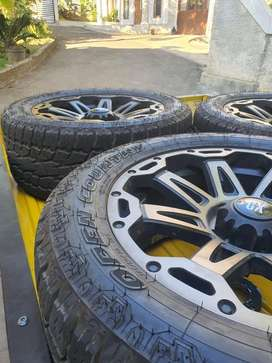 Ban Toyo Tires Open Country AT & Velg XD 20 Pajero / Fortuner