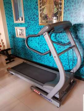 Telebrands 2 HP incline treadmill with cardio